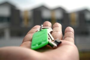 Agenzia Immobiliare comprare vendere casa mano con chiave
